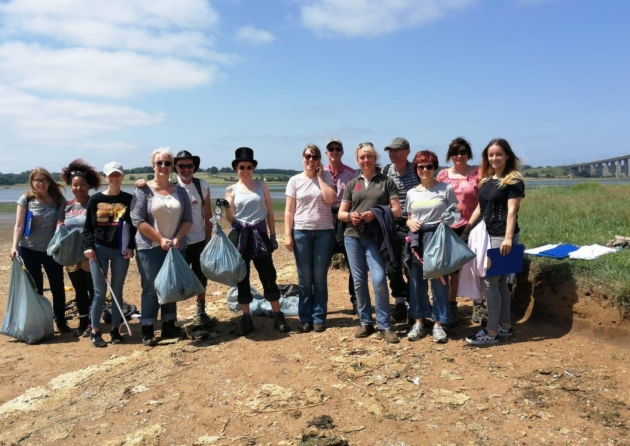 Vegan network volunteers doing the big Suffolk beach clean